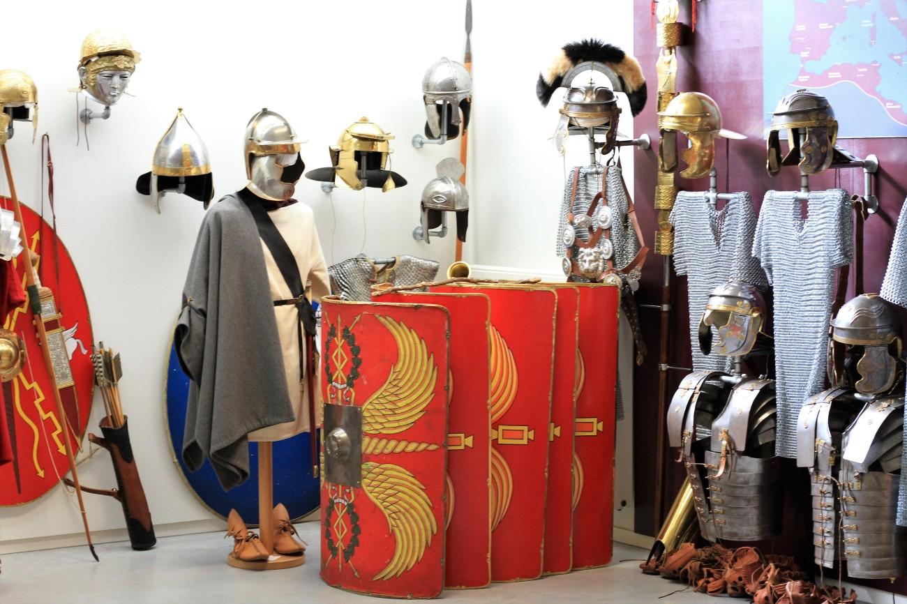 Archeologisch museum Velzeke - binnen - collectie - 23 requisieten.jpg