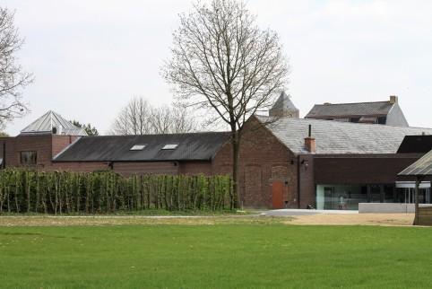 Archeologisch museum Velzeke - buiten - gebouw2
