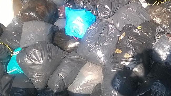DDL oosterzele Kiwanis ophalen kleren en Cheque (2)