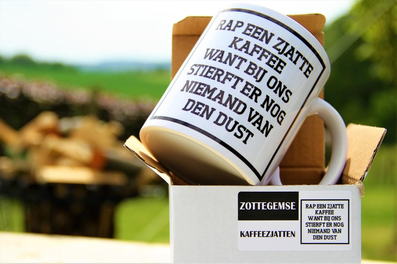 rap een sjatte kafee want bij ons stiert er nog niemad van de dust 2 zottegem www debeiaard com