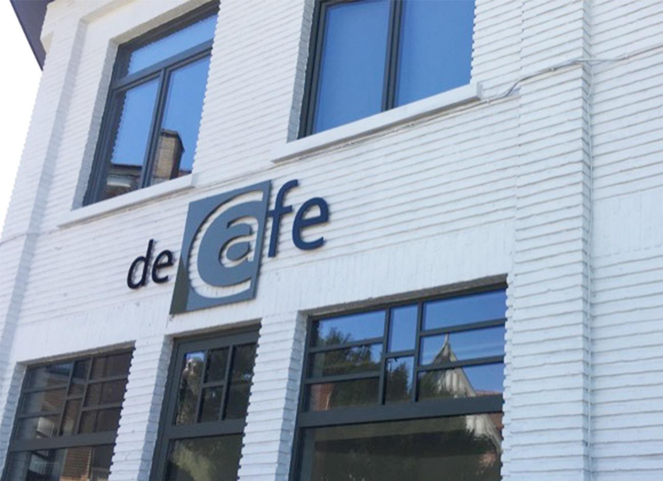 deCafe EW