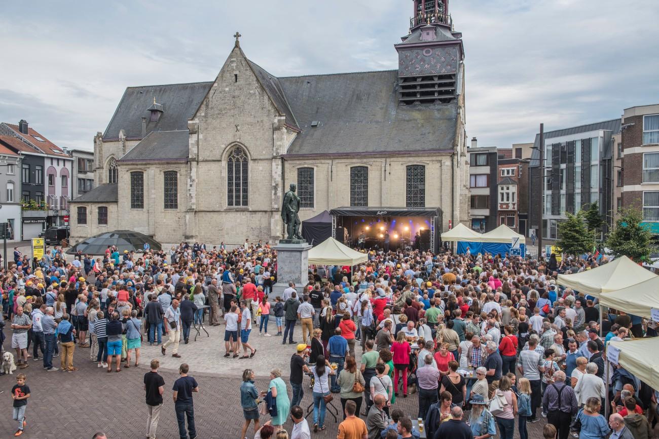 11 juli Niels Destadsbader markt Zottegem