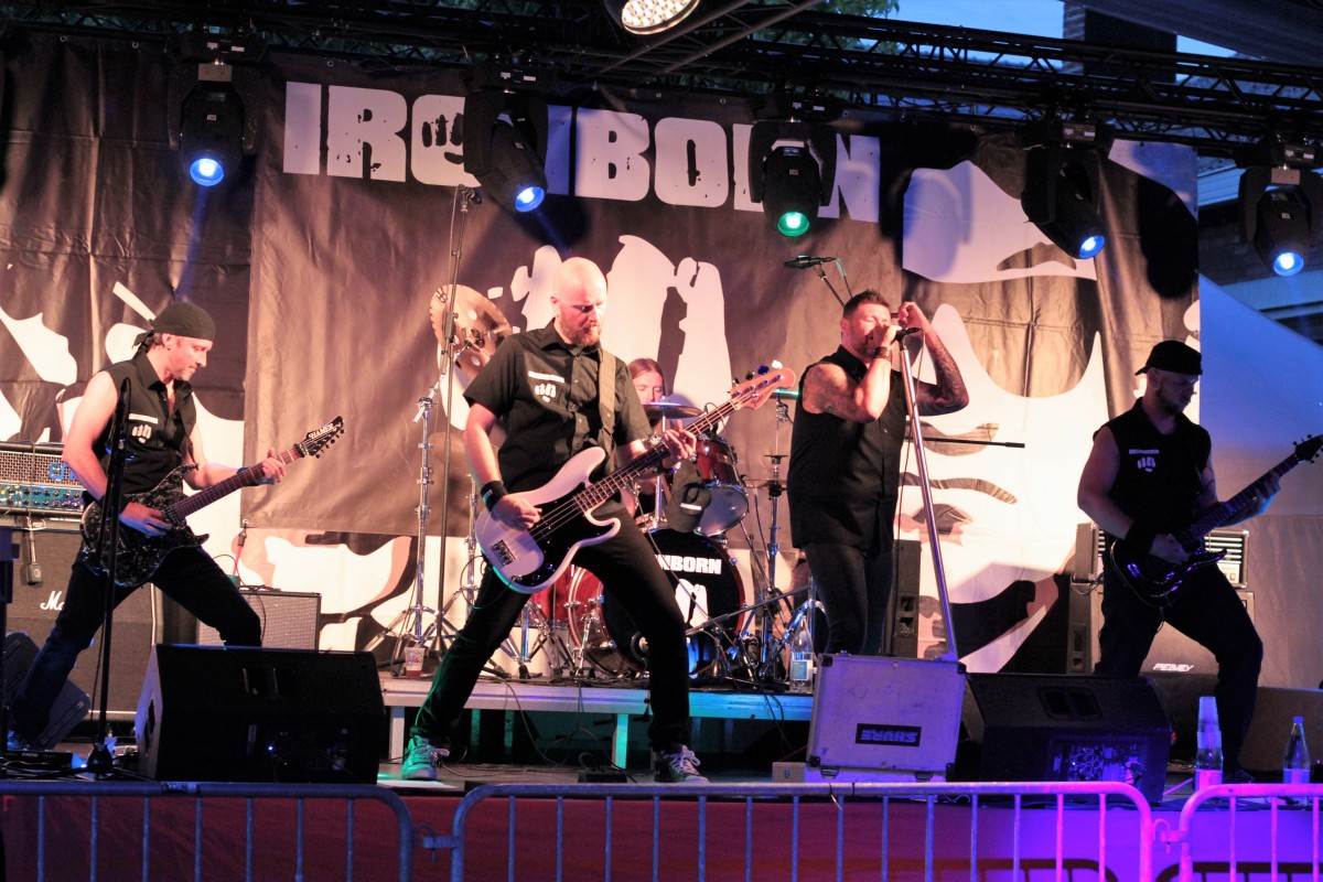 Ironborn: Rock & Roll is dead (foto's & kritische review)