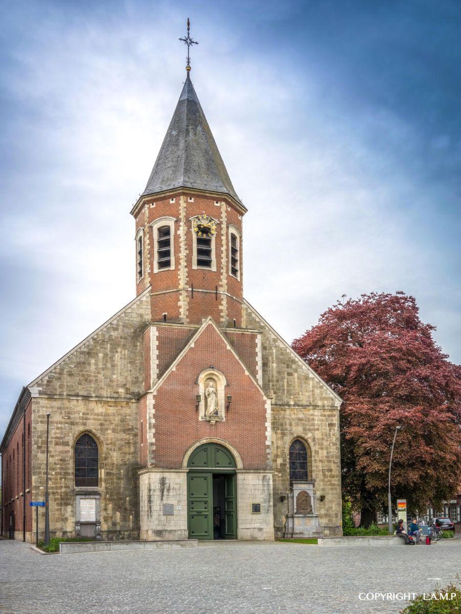 """Welke kerken blijven """"kerk"""" in Oosterzele?"""